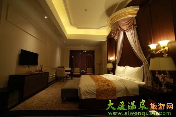 酒店设有大堂休息区,休闲茶吧,红酒吧,当地特色精品屋,潮州菜中餐厅